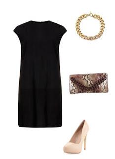 Vestido preto ajustado, colar dourado corrente, pumps cor de pele e clutch padrão cobra