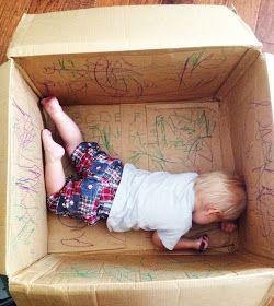 Caixa de Papelão para criança rabiscar