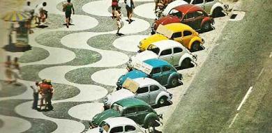 Congestionamento de Fuscas em Copacabana na década de 70..