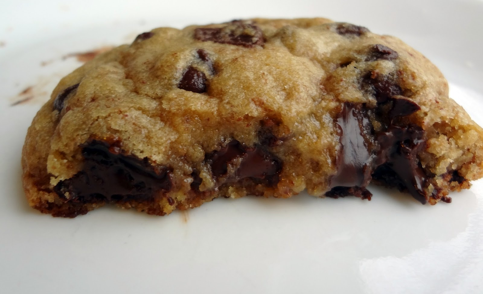 The Cooking Actress Big Thick And Chewy Chocolate Chip Cookies Formerly Levain Copycat
