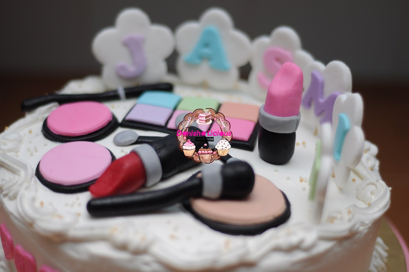 Halal Birthday Cakes Bradford