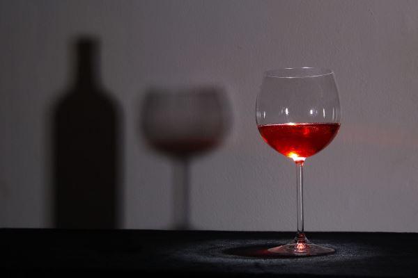 Destapan el fraude del siglo: vino español que se vendía en Francia como francés