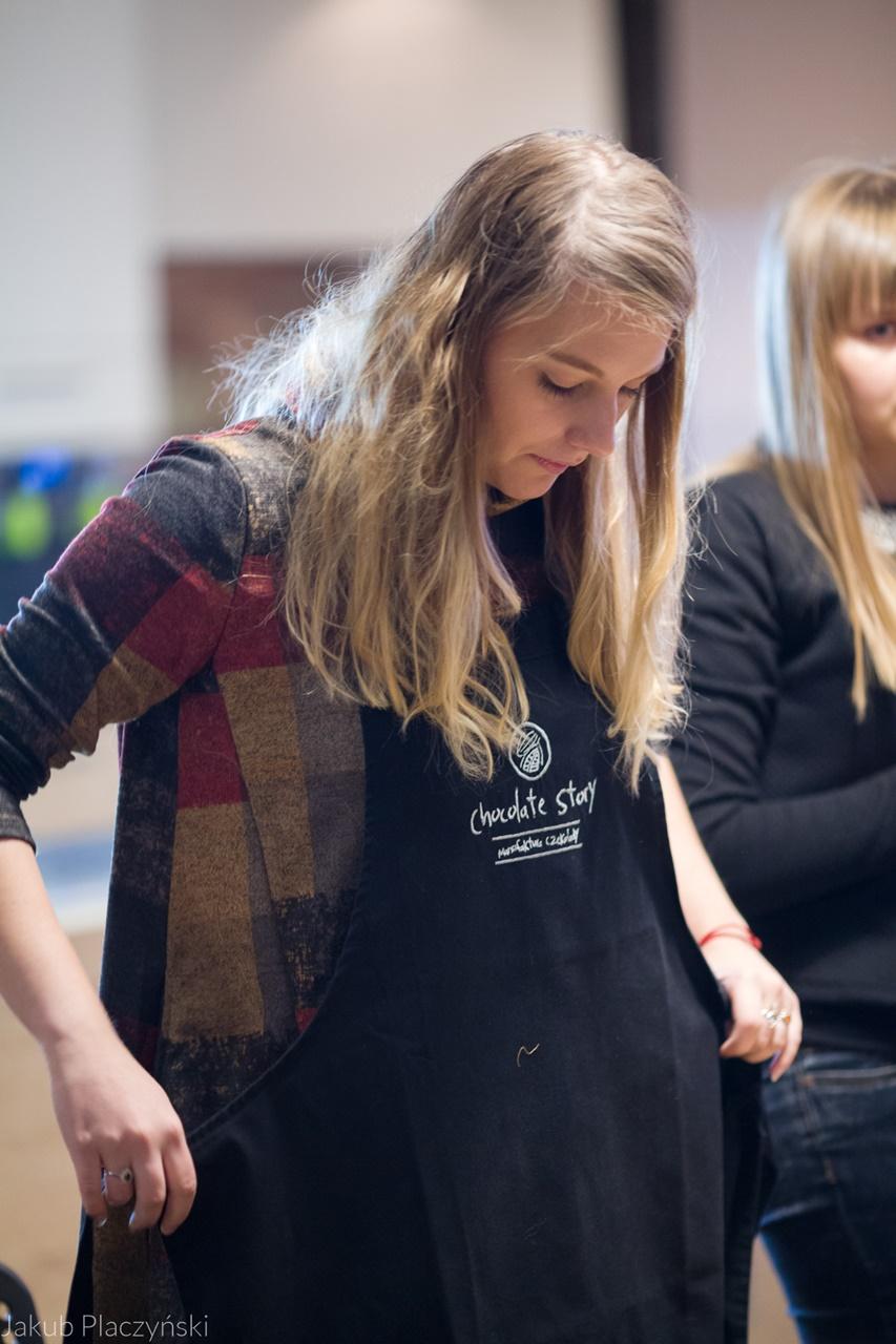 5 jak zrobić własną czekoladę jak powstaje tabliczka czekolady manufaktura czekolady warszawa łódź warsztaty  jak zrobić własne praliny temperowanie czekolady