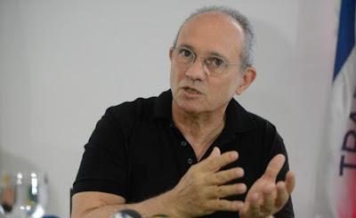 """Governador do PMDB critica aumento de impostos dado por Temer: """"Não fez o que era preciso"""""""
