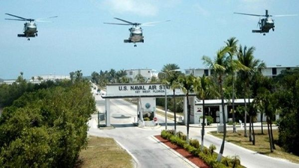 Juez de EE.UU. condena a prisión a un joven chino por tomar fotos de base naval
