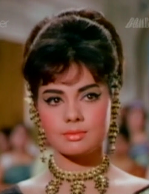 BEST IMAGES OF BOLLYWOOD ACTRESS: MUMTAZ