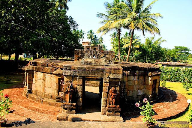 Chausath Yogini Temple, Hirapur
