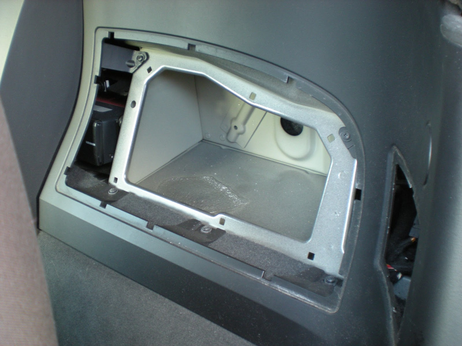 My Z Doesn T Have The Upgraded Subs So I Removed Storage Unit From Behind Penger Seat And Air Vent Cover On Right