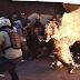VÍDEO: Escalofriante - Manifestantes opositores enfermos prenden fuego y apuñalean a un joven de 21 años solo por ser Chavista