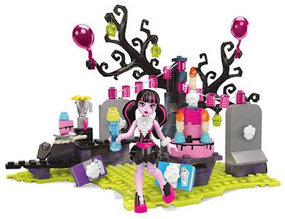 TOYS : JUGUETES - MEGA BLOKS Monster High  Fiesta de Cumpleaños de Draculaura | Draculaura's Birthday  Producto Oficial 2016 | Piezas: 153 | Edad: +7 años  Comprar en Amazon España & buy Amazon USA  TOYS : JUGUETES - MEGA BLOKS Monster High - Cumpleaños Draculaura | Draculaura's Birthday | 2016 | Comprar