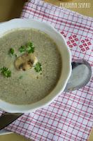 (zupa pieczarkowa