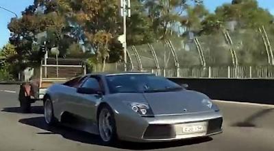 Η Lamborghini που μεταφέρει κατσίκες
