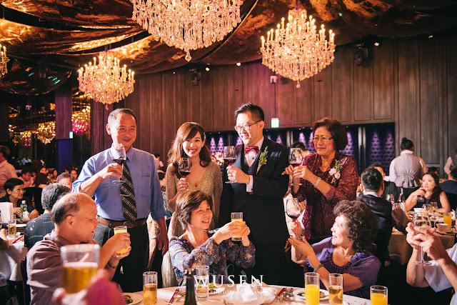 台北婚攝君品酒店天花板敬酒燈光婚攝處理