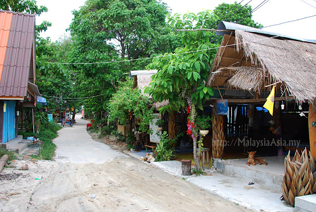 Off season at Ko Lipe Walking Street