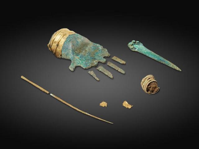 Rare 'Golden hand' artefact sparks grave-robbing probe