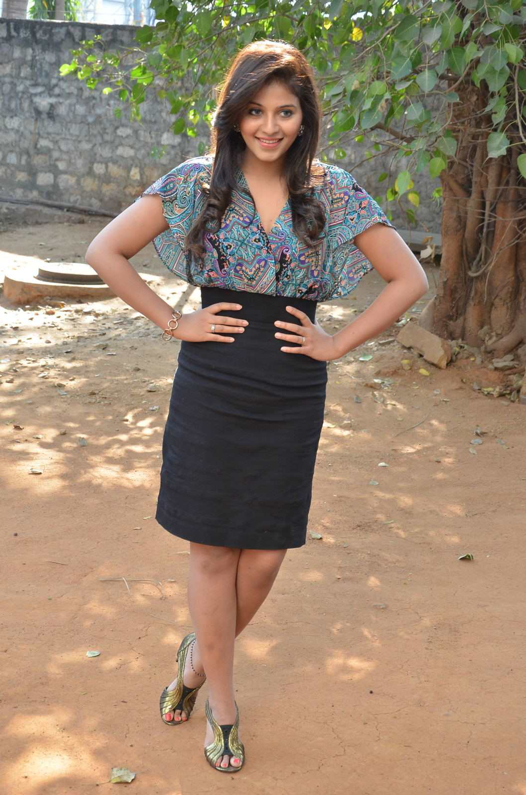 Anjali Hot Looking Face Photos In Blue Dress