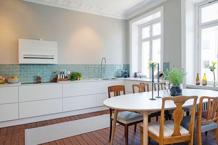 De lunares y naranjas mi rcoles de arquitectura for Alternativa azulejos cocina
