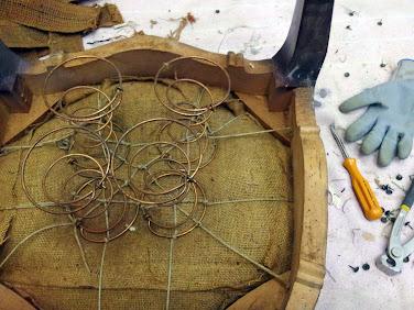 Silla Luis XV en proceso de restauración
