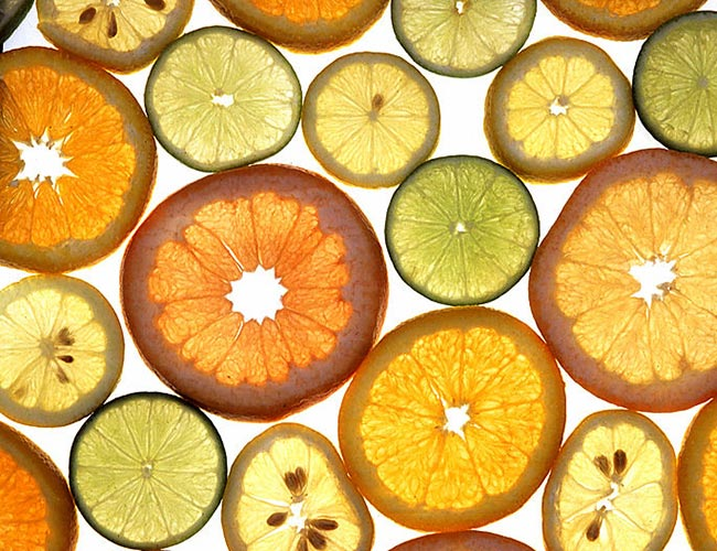 Penelitian The origin of high-speed Citrus fruit oil microjets
