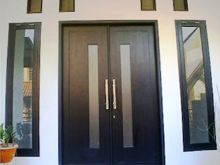 pesugihan pintu rumah