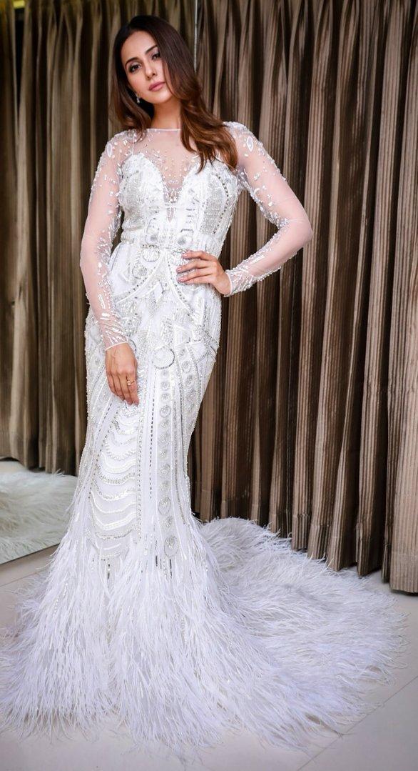 Indian Hot Model Rakul Preet Singh In White Gown At Lux Golden Rose Awards