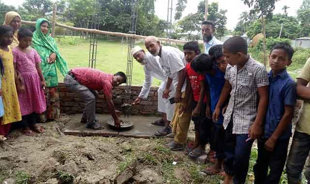বকশীগঞ্জে শহীদ মিনার নির্মাণ কাজের উদ্বোধন