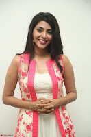 Aishwarya Lekshmi looks stunning in sleeveless deep neck gown with transparent Ethnic jacket ~  Exclusive Celebrities Galleries 087.JPG