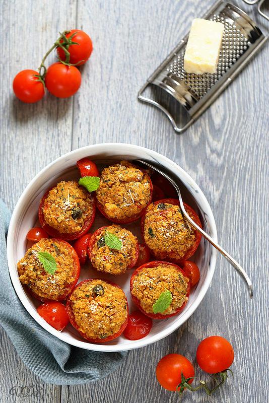 Tomates farcies sans viande comme en Ligurie