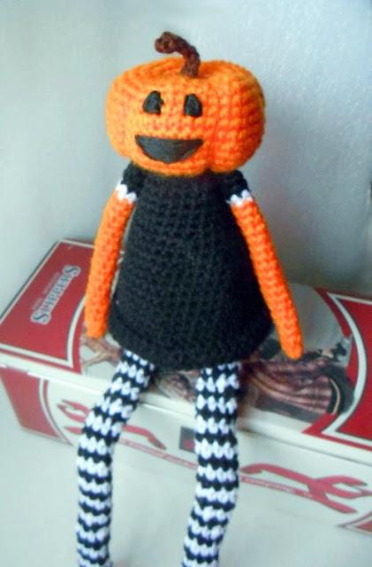 Pumpkin Amigurumi PDF - StringyDingDing | 640x421