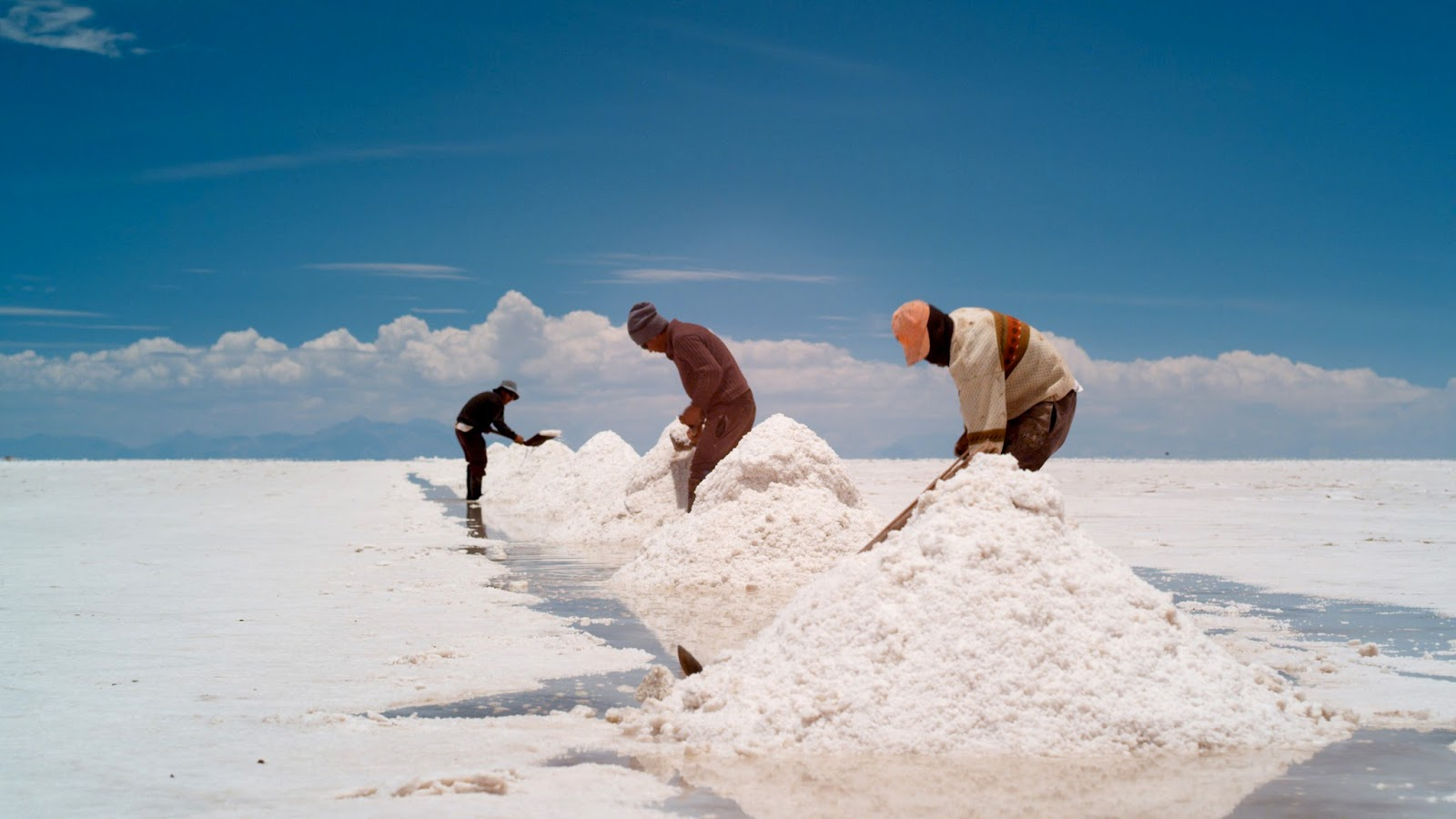 """uyuni single men Bolivia highlight: the takesi trek near la paz, one of bolivia's finest examples of   """"people older than 60 have a 1 in 100,000 chance of dying from the  a local  uprising in uyuni turned a normally easy bus ride from potosi."""
