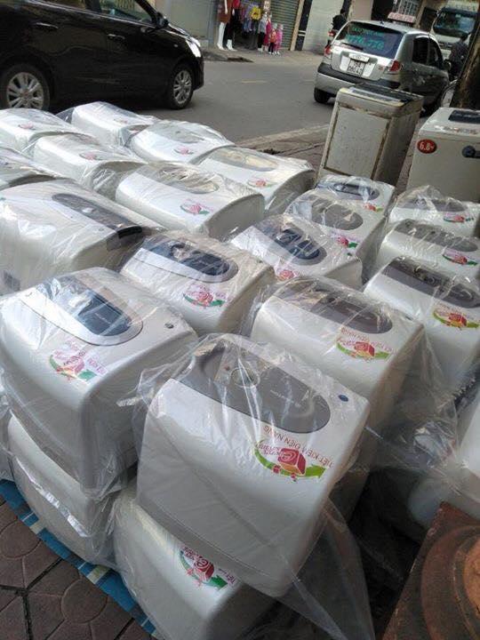 Bán bình nóng lạnh cũ tại Hà Nội : 0972400616: Bình nóng lạnh Ariston 30L giá rẻ