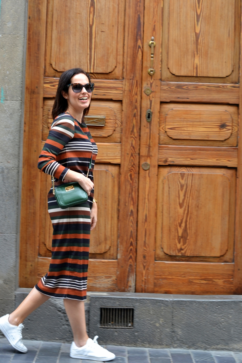 street-style-dress-stripes-casual-outfit