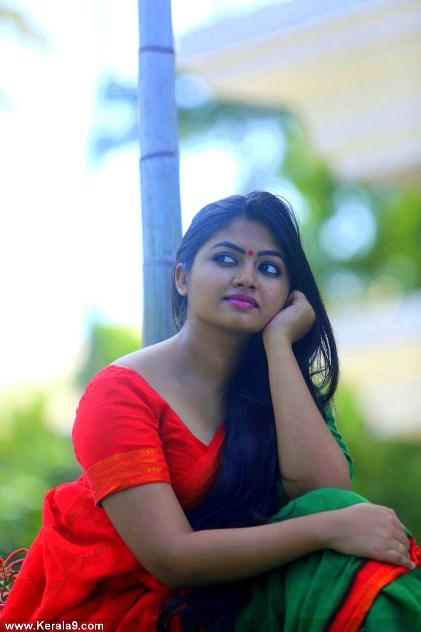 Kavya Singh Hot Videos Shaalin Zoya in Saree ...
