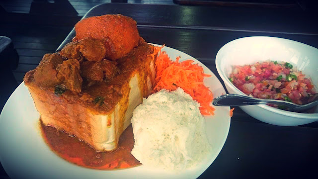 Hollywood Bunny Chow - Hollywoodbets - Sambals - Durban - Specialty - Curry