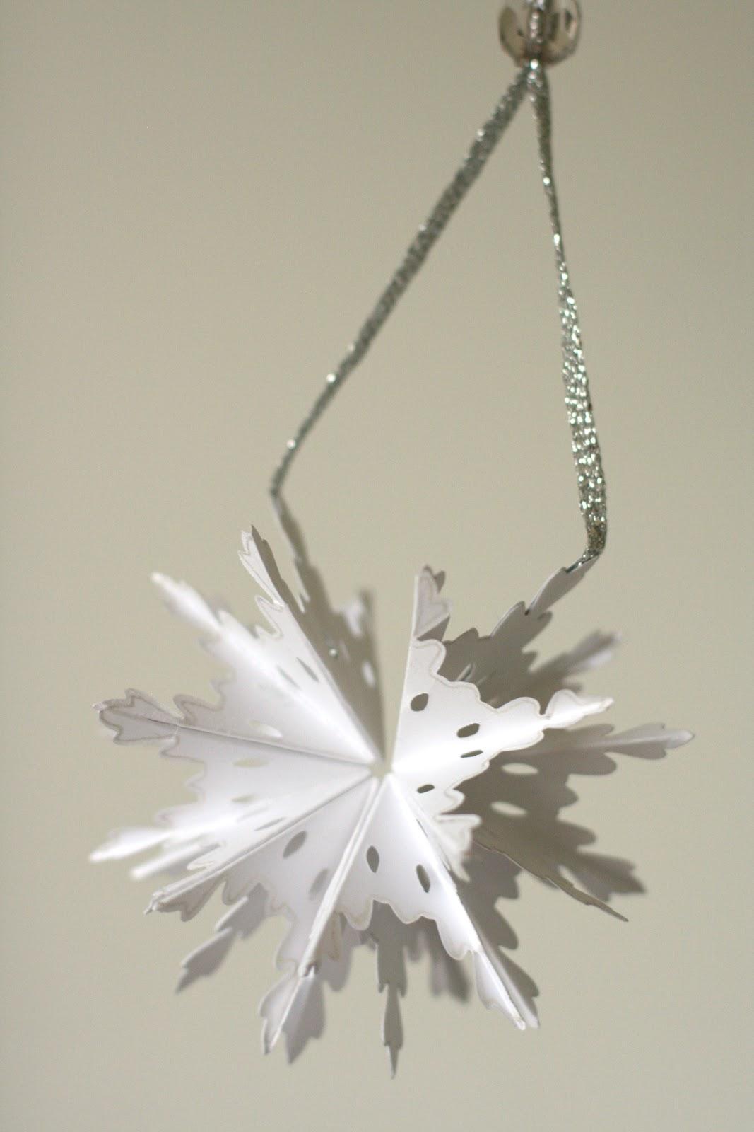 foldable snowflakes