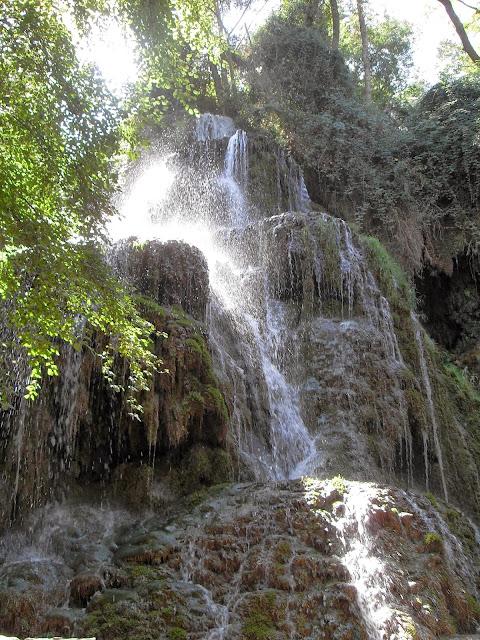 ruta de las cascadas en el Monasterio de Piedra