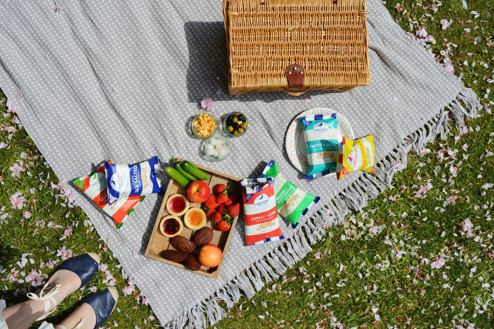Picnic at Arundel Castle, Portlebay Popcorn review, lifestyle bloggers, Hampshire bloggers