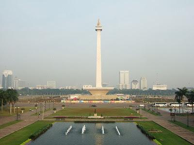 Monas ( Monumen Nasional )