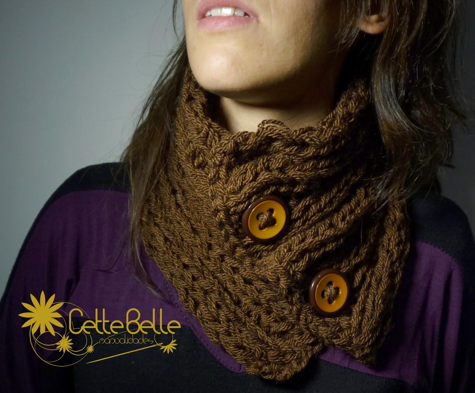 8be4263c78a3c Cuello braga lana abierto marrón en punto inglés con botones camel