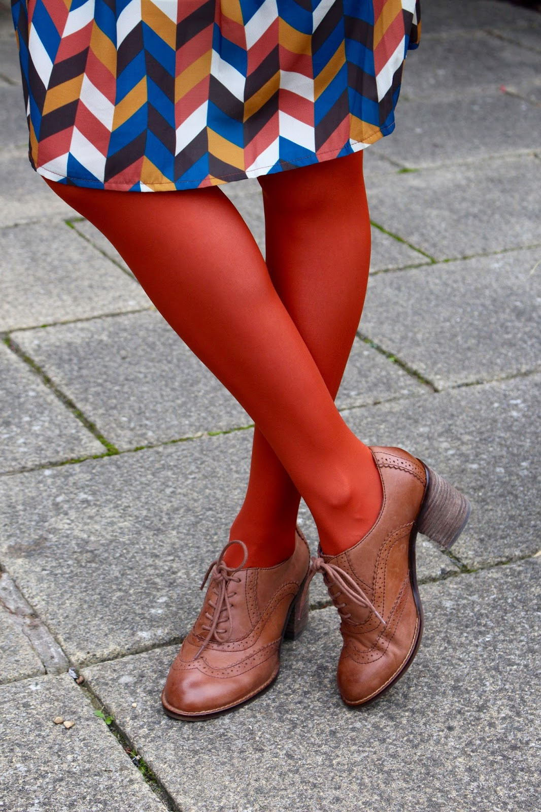 The 70's trend, rust tights | Fake Fabulous