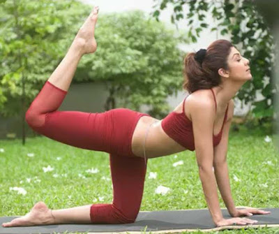 shilpa shetty hot yoga