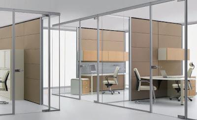 Vách ngăn nhôm kính khiến không gian văn phòng trở nên thoáng đãng hơn
