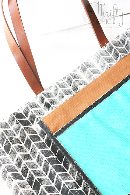 Best summer tote bag! Striped and herringbone stenciled tote bag. How to personalize a tote bag tutorial