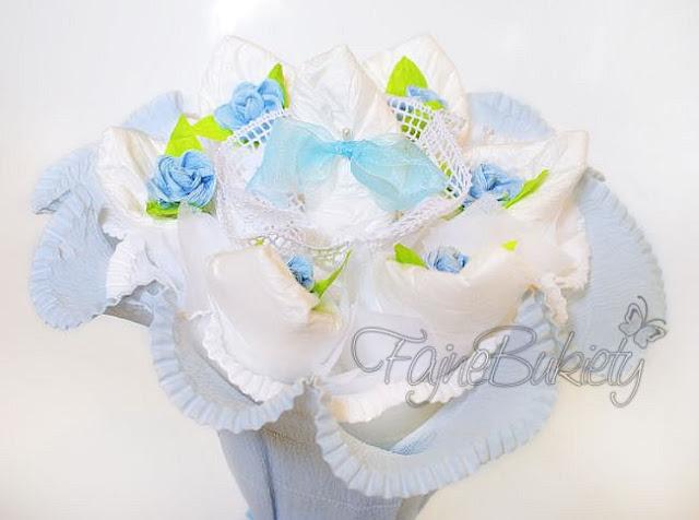 bukiet z pampersów pieluszek niebieski dla chłopca