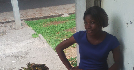 Meet Vivian, The Pretty Groundnut & Banana Seller and an Undergraduate of N.O.U.N