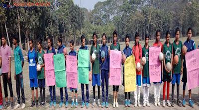 খেলার পরিবেশ বজায় রাখতে জামালপুর জিলা স্কুল মাঠে মানববন্ধন