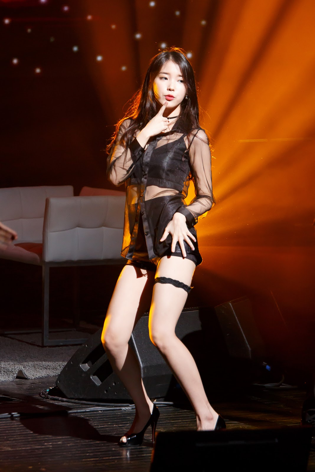 Iu Drops Jaws With This Absolutely Hot Outfit  Daily K Pop News-3297