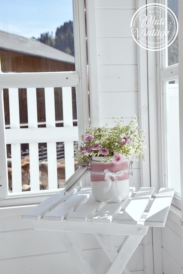 Gartenhaus romantisch dekorieren.