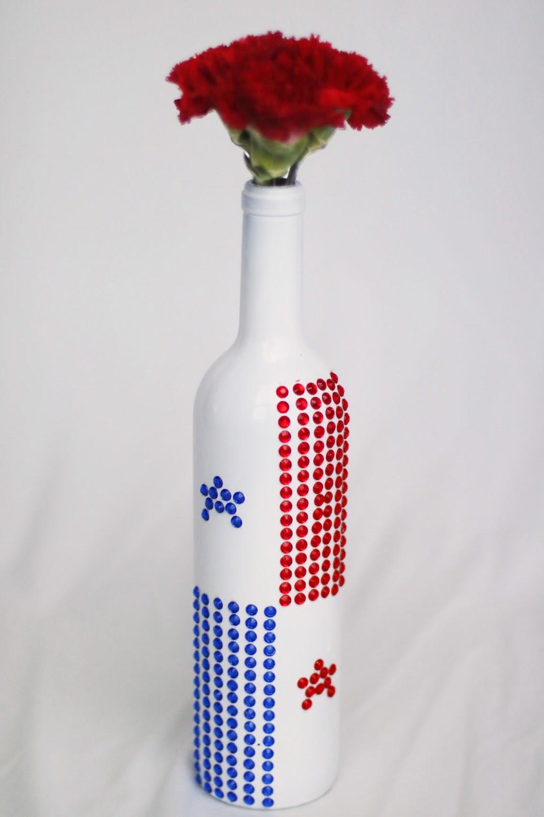 DIY Panama Flag Flower Vase. Click through for full tutorial
