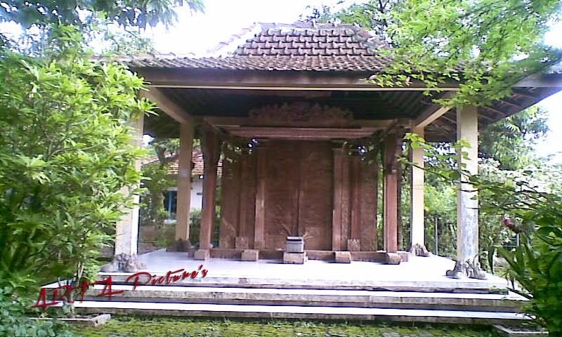 Obyek Wisata Gerbang Majapahit di Pati